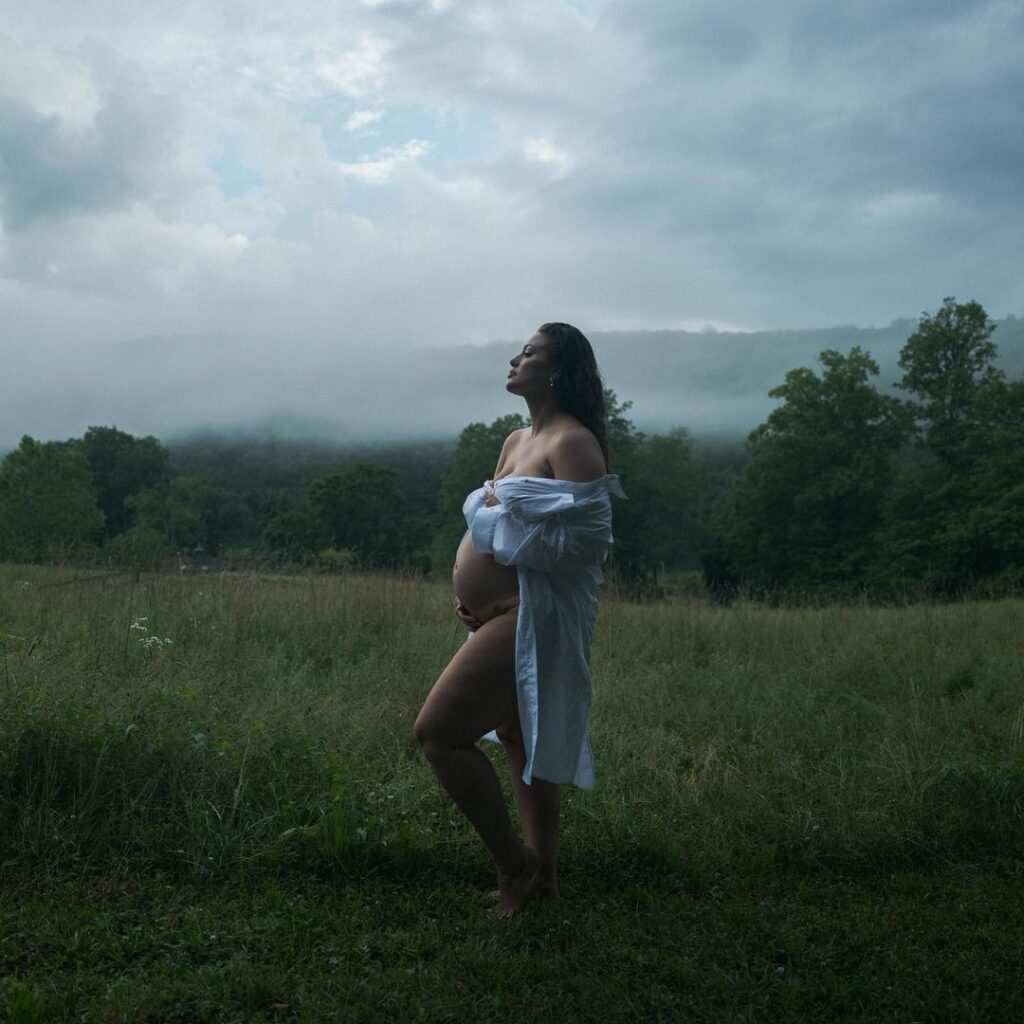 Pregnant Ashley Graham's Naked Photoshoot in the Field: Captioned 'Earth Mother Vibes' on Instagram