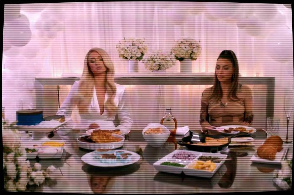 Cooking With Paris Kim Kardashian